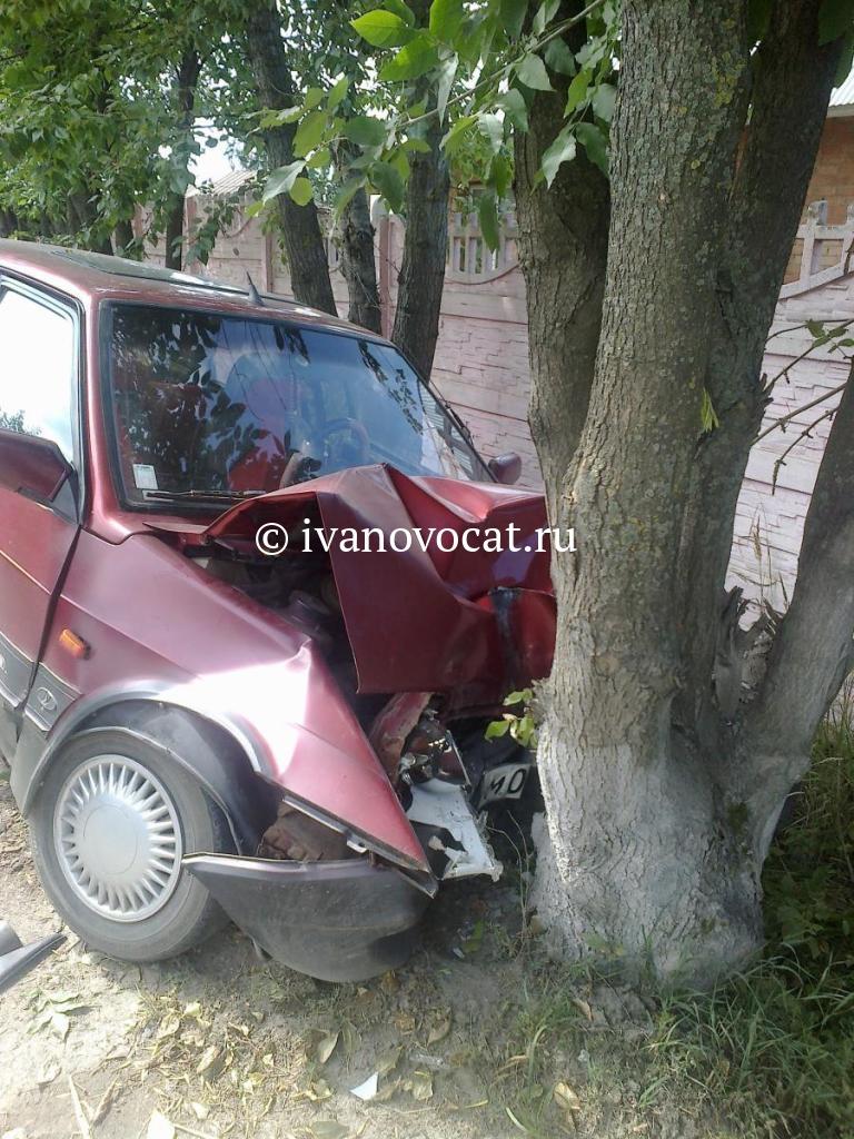 21 июня, около 11:30 дня на 14 км автодороги ростов-иваново-нижний новгород в тейковском районе 37-летний водитель